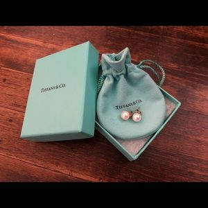 Tiffany & Co. Ziegfeld collection pearl earrings
